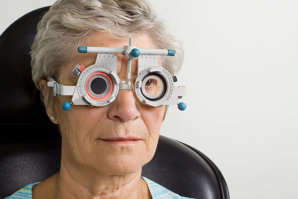 woman with diabetes getting eye exam